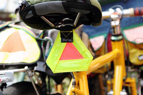 ブルーラグ10周年記念〜三角 a.k.a. おにぎり反射板
